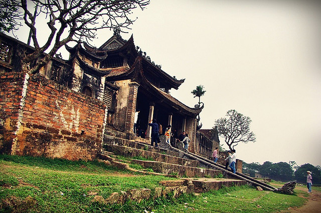 Đình làng là biểu tượng văn hóa không thể thiếu trong đời sống người Việt.
